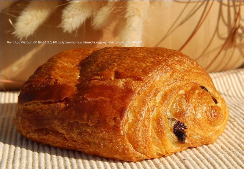 """Je me suis encore égaré. Il est temps que ce quiz se termine, avec une viennoiserie ! Comment dit-on un """"pain au chocolat"""" dans le Sud-Ouest ?"""