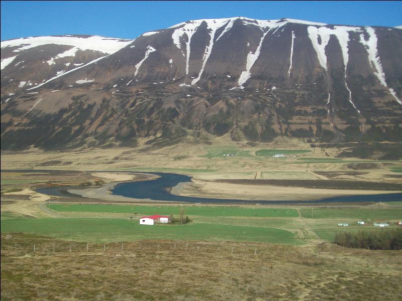 Parmi ces mots, lequel ne provient pas de la langue islandaise ?