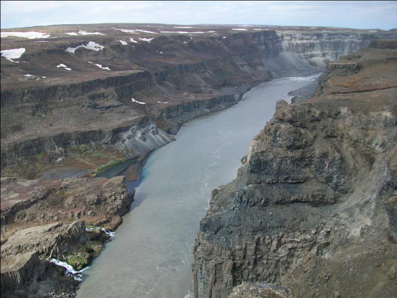 Comment pourrait-on décrire les paysages que vous rencontrerez au centre de l'Islande ?