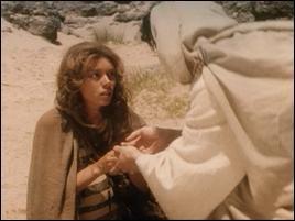 Qui vient au secours d'Agar dans le desert ?