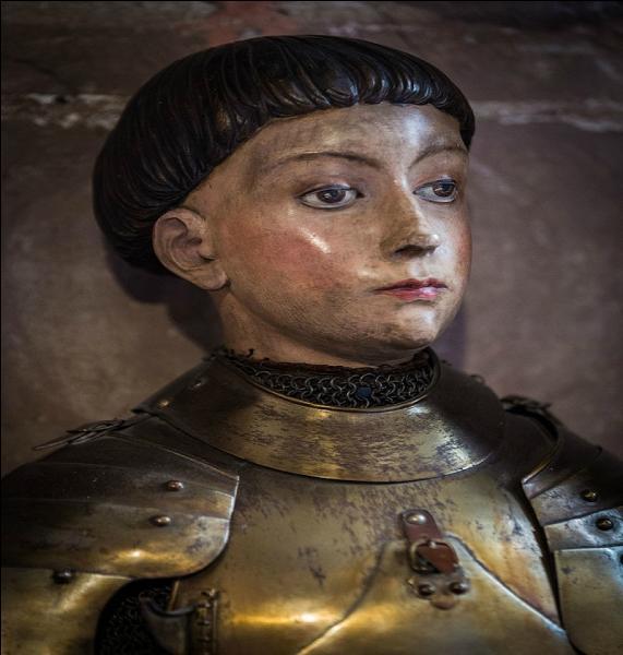 Quel nom porte le nom de cette coupe, pratique, simple, arborée par Jeanne d'Arc ?