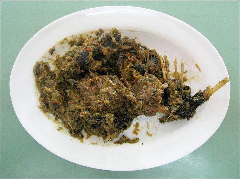 La roussette est le nom donné à un poisson et à une chauve-souris. En cuisine, lequel des deux est consommé ?