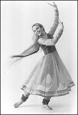 Le kathak, une danse traditionnelle indienne, signifie littéralement...