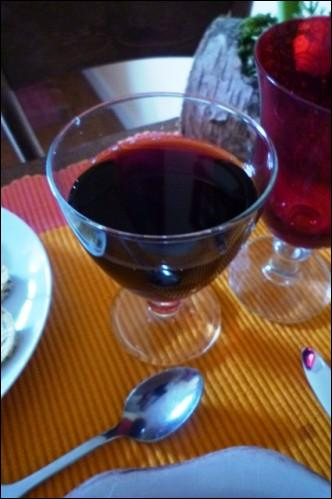 Quel est cet apéritif, semblable au kir, où le vin rouge (un Bourgogne) remplace le vin blanc ?
