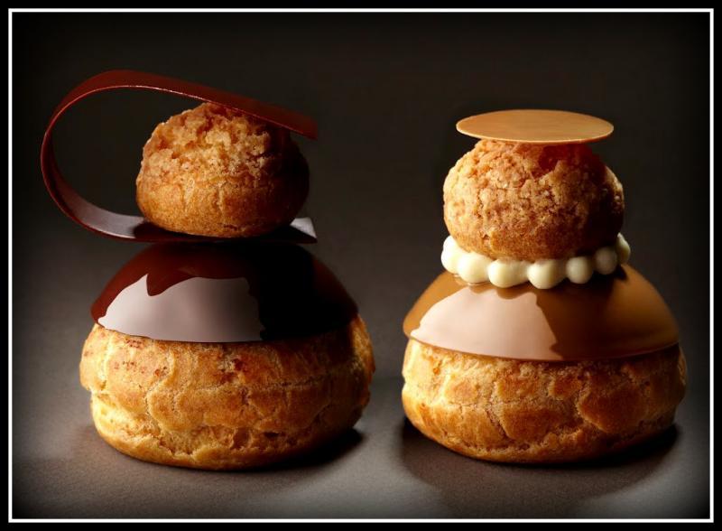 Quel est le nom de cette pâtisserie à base de pâte à choux et de crème pâtissière, généralement au chocolat ou au café ?