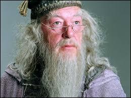 La cicatrice que Dumbledore a sur le genou gauche représente d'après lui...
