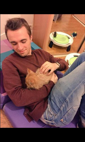Comment s'appelle le chat de Squeezie qui est mort ?