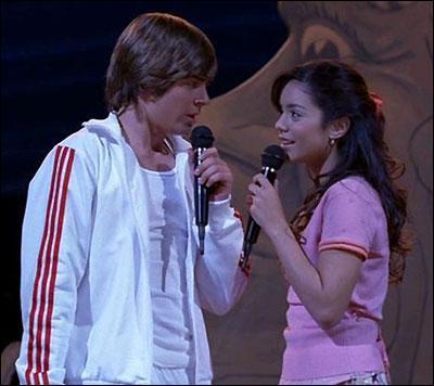 Dans HSM 1, que chantent Troy & Gabriella au spectacle?