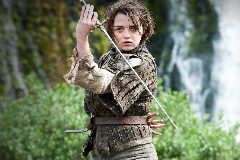 Qui a offert à Arya son épée ?