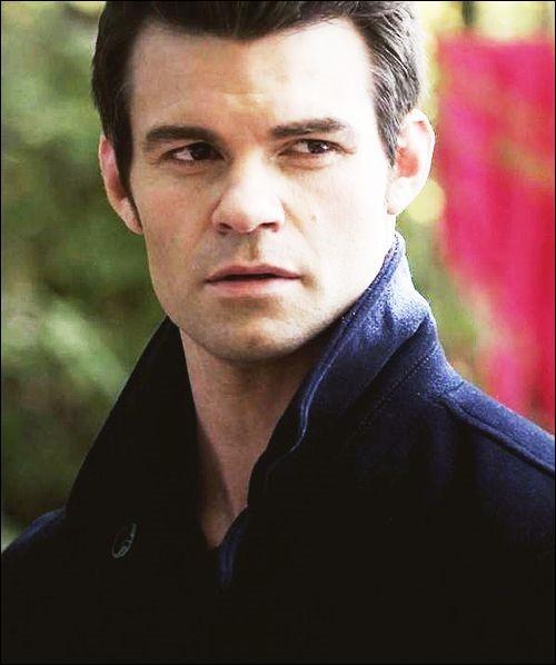 Qui joue le rôle d'Elijah ?