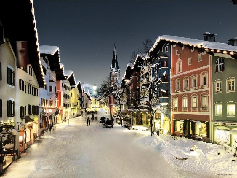 Dans quel pays se trouve Kitzbühel ?