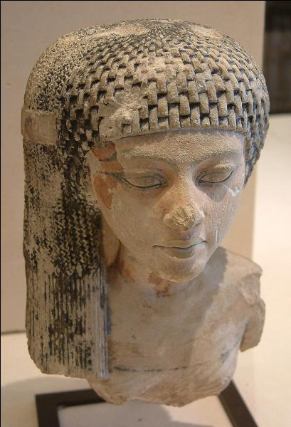 Cette photo est utilisée par Cricri48. Il s'agit du buste de Mérytaton, la fille de Néfertiti et Akhenaton. Où est exposée cette sculpture ?