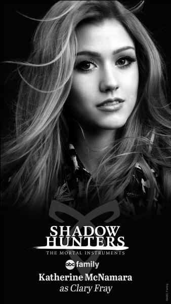 Quel âge a Clary lorsque qu'elle apprend qu'elle est une Shadowhunter ?... ans.