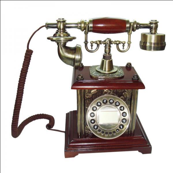 Graham Bell a inventé le téléphone en 1876.