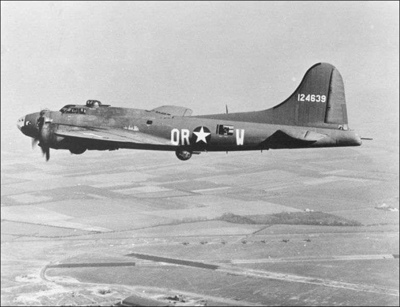 Joseph - Armand Bombardier à inventé un avion destiné au bombardement de diverses cibles terrestres en 1950.