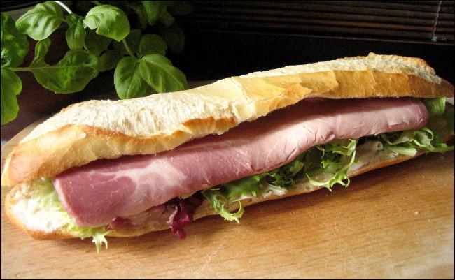 On doit le sandwich en 1762 à Lord John Sandwich.