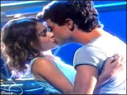 Qui embrasse Violetta ?