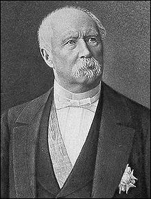 La ville qui vit naître le maréchal Patrice de Mac Mahon porte le même nom qu'un célèbre ministre royal. Comment s'appelle-t-elle ?
