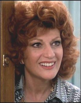 Actrice qui pouvait camper les bourgeoises, elle se spécialisa dans la comédie et fut le 1er rôle d'une série télévisée des années 80-90 qui finit de la rendre célèbre auprès du public français... Je suis ?