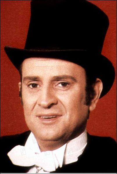 Homme de théâtre et de télévision (il incarna le plus célèbre des Arsène Lupin), il tourna aussi quelques films, c'est ?