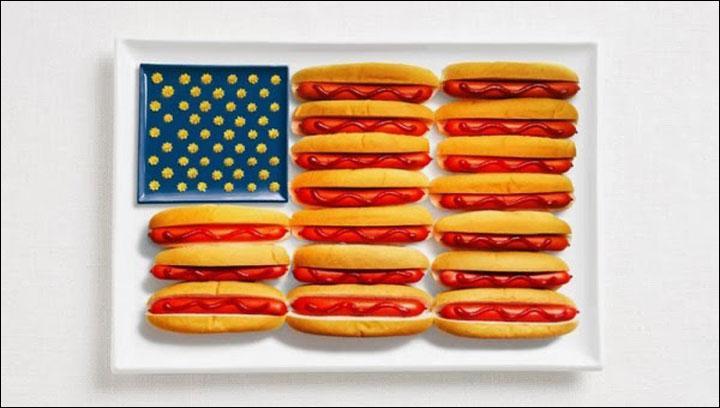 Les 50 étoiles et des hot-dogs ? Bon ok, ils sont fans de hot-dogs mais ils auraient pu faire plus original. Mais bon, cela représente quand même bien le drapeau...