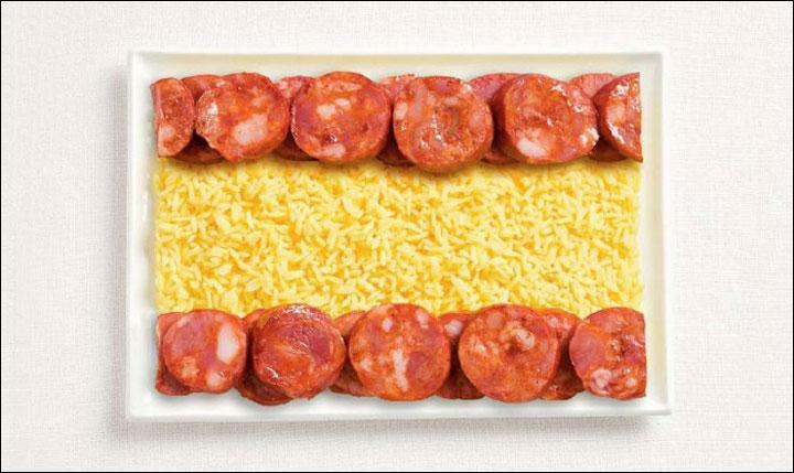 Humm, le bon riz au curry et le bon chorizo. Ils auraient pu faire de la paella aussi mais on comprend tout aussi vite que c'est le drapeau...