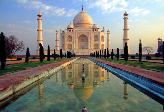 "L'INDE : Que signifie ""Tāj Mahal"" en persan ?"