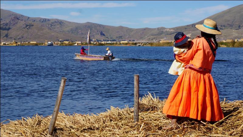 LE PÉROU : Comment se nomme le lac qui se trouve à la frontière du Pérou et de la Bolivie ?