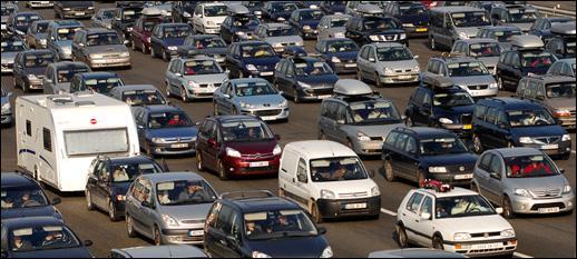 64 % des personnes se rendent à leur travail en voiture.