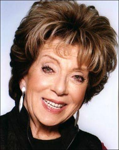 Actrice de théâtre de boulevard avant de devenir une comédienne populaire, c'est ?