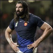 C'est un rugbyman français très célèbre qui a été plusieurs fois en équipe de France, il s'agit de...