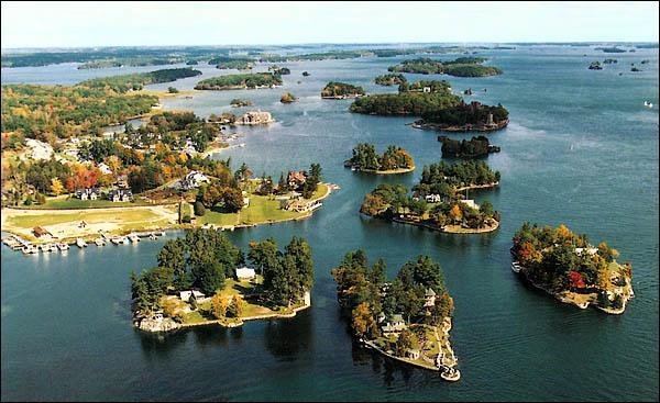 Sur quel grand fleuve naviguez-vous si vous effectuez une croisière dans l'archipel des Mille-Îles ?