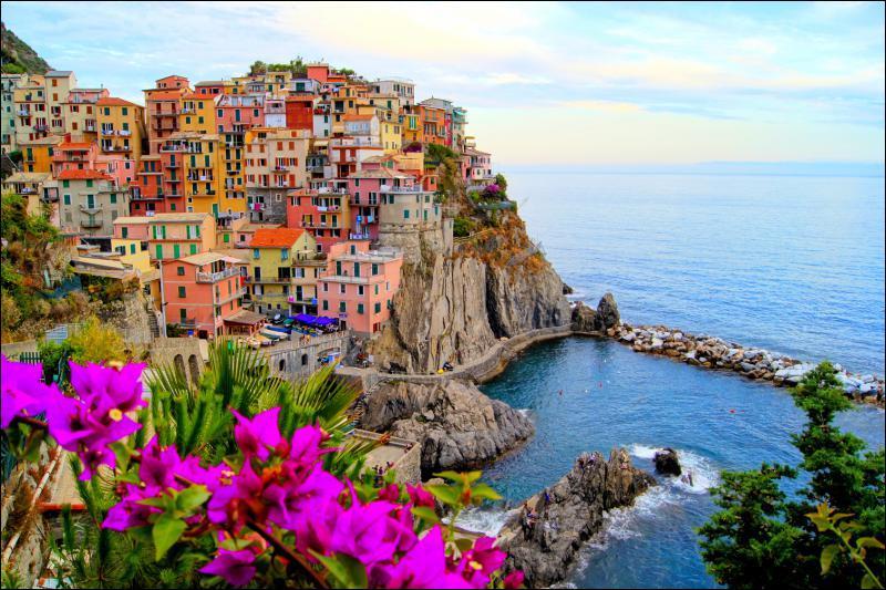"""Dans quelle région italienne pourrez-vous contempler les villages formant les """"Cinq Terres"""" ?"""