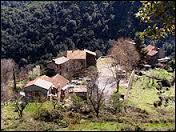 Nous partons sur l'Ile de Beauté, à Lano. Petit village de 25 habitants, dans l'arrondissement de Corte, il se situe dans le département ...