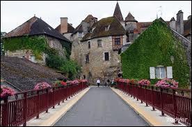 Je vous emmène à la découverte de Montfaucon. Village du Lot, dans le parc naturel régional des Causses du Quercy, il se situe dans la nouvelle région ...