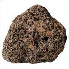 Parmi ses roches, laquelle est une roche volcanique ?