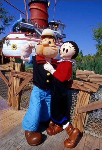 """Un autre parc accueille aussi l'univers de Popeye. Il est alors possible de rencontrer les personnages, de se balader, de faire des attractions sur le thème de Popeye et, bien sûr, de manger dans le """"Wimpy's"""" (en référence au nom anglais de l'ami de Popeye qui est un mangeur de hamburgers). Quel complexe de parcs accueille l'univers de Popeye ?"""