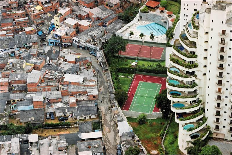 Que symbolise cette photo prise au Brésil (São Paulo) ?