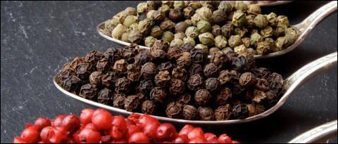 Le poivre est issu d'un légume.
