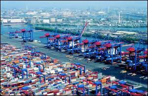 HAMBOURG - Deuxième ville allemande la plus peuplée et plus grand port, Hambourg est située...