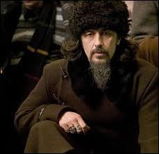 "Dans l'alphabet cyrillique, le nom d'Igor Karkaroff s'écrit ainsi : ""Иgорь Каркаrов"""