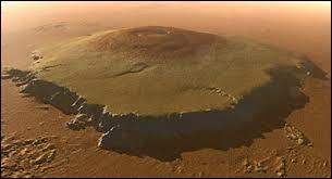 Quel est le nom du plus grand volcan du Système solaire ?