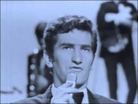 """Il chante en 1966 """"J'ai oublié de l'oublier"""". De qui s'agit-il ?"""