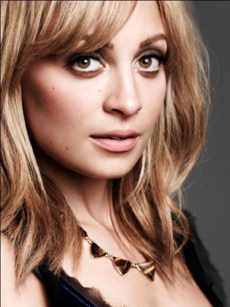 Actrice américaine : Je crois que la mode est la forme ultime de l'expression de soi !