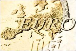 L'euro en pièces et billets a été mis en circulation comme monnaie européenne en...