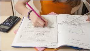 Mathématiques ~ Soit un triangle ABC. Quelle condition doit-il vérifier pour être rectangle en A ?