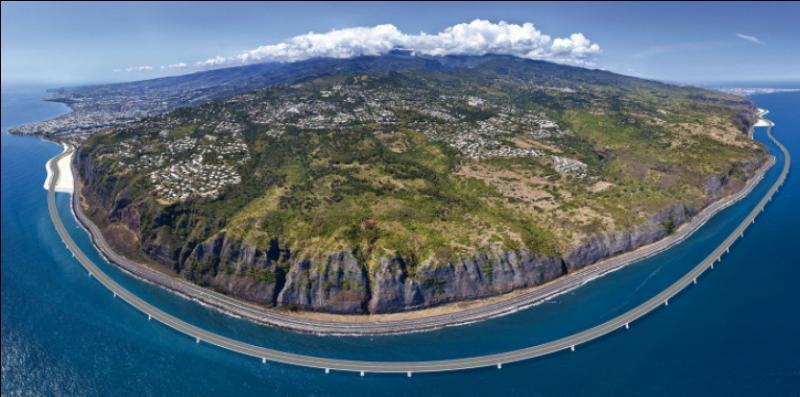 L'île de la Réunion se situe dans l'océan Indien.