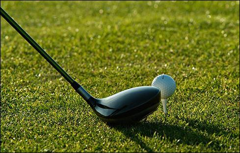 Au golf, comment s'appellent les obstacles de sable qui sont sur le parcours ?