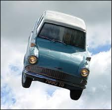 Quelle est la marque de voiture volante d'Arthur Weasley ?