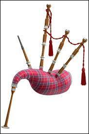Quel est le joli nom de cet instrument écossais, avec lequel, dit la légende, on joue de la musique au monstre du Loch Ness pour qu'il apparaisse ?